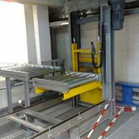 Vertical pallet conveyor / Paletten Etagenlift 03